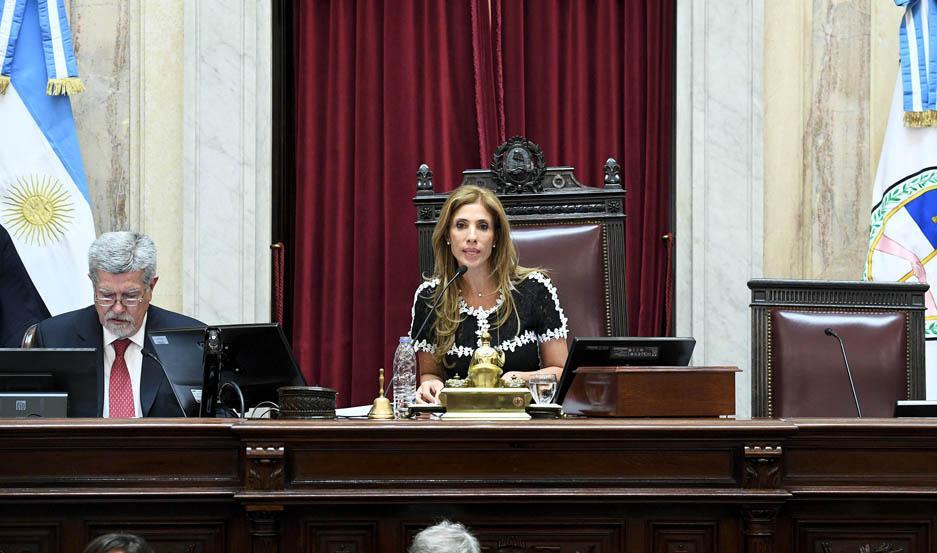 SESIÓN. Tras la preparatoria, Claudia Zamora presidió la extraordinaria.