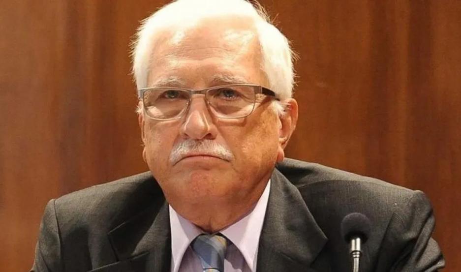 Fue Secretario de Comercio Interior de Alfonsín, ex viceministro de Economía de Duhalde y ex director del INDEC con Macri.