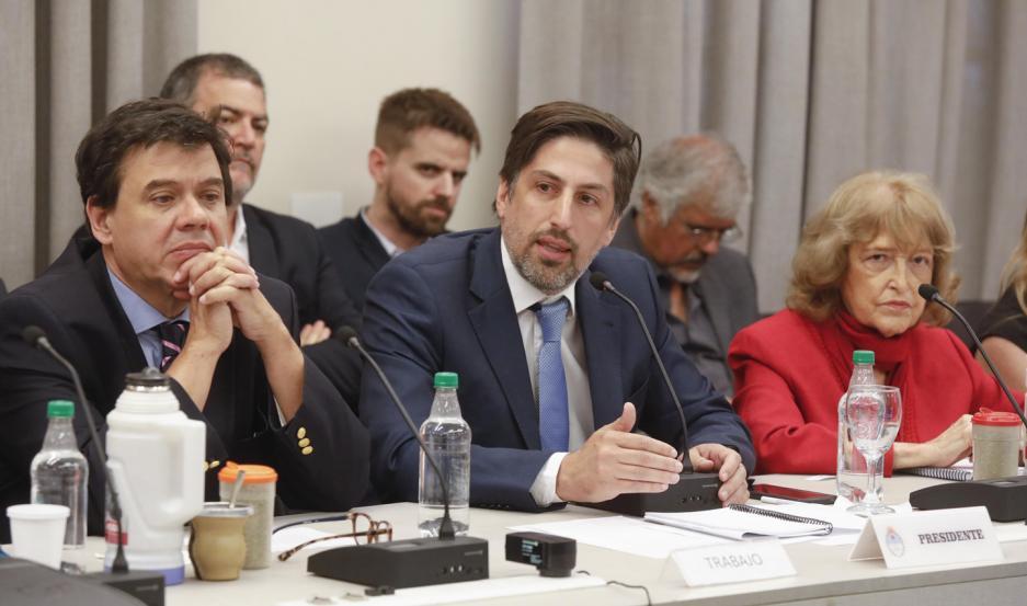 VOCEROS. Los ministros Moroni (Trabajo) y Trotta (Educación) presentarán la oferta a los gremios.
