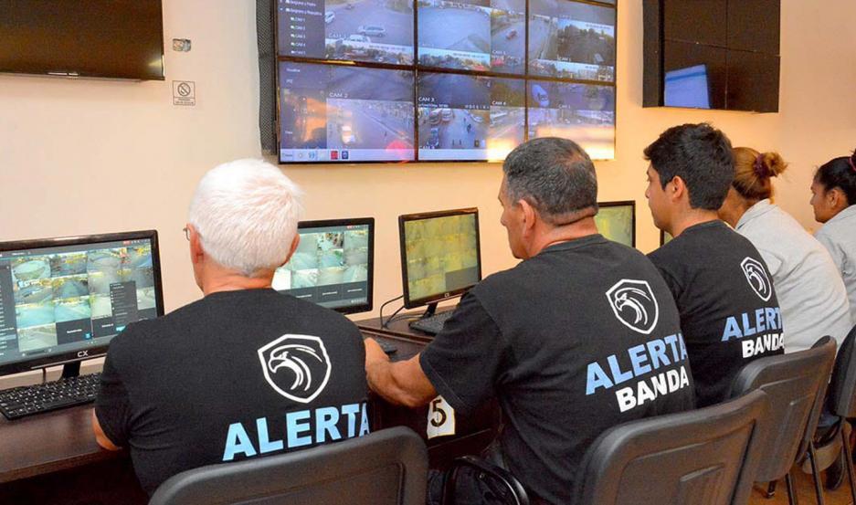 CONTROL. A través de un centro de monitoreo móvil, Alerta Banda brindará más seguridad en el Festival de La Salamanca.