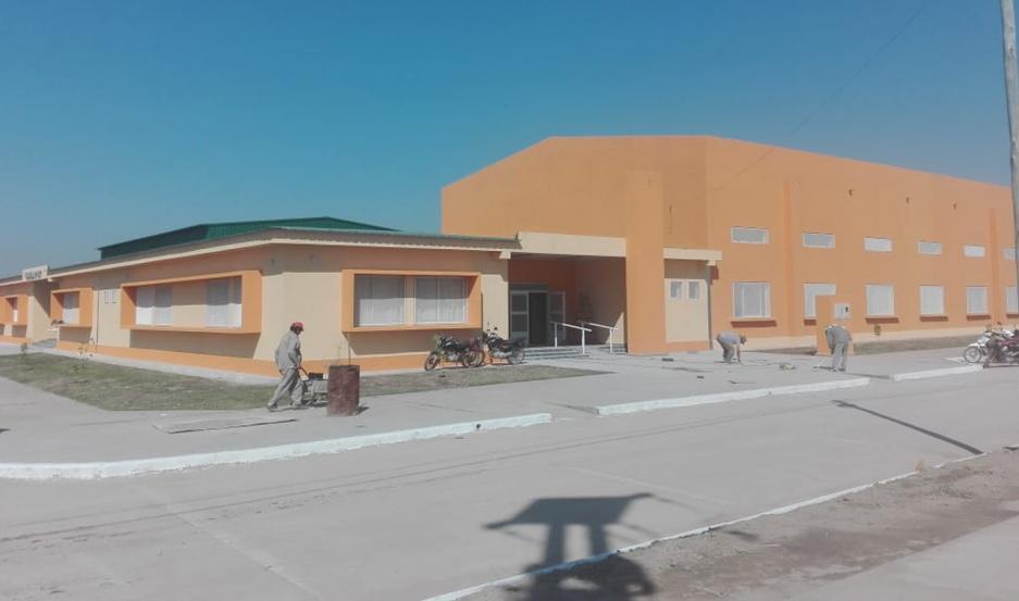 El moderno edificio se construyó en el barrio Las Flores de la ciudad de Forres.