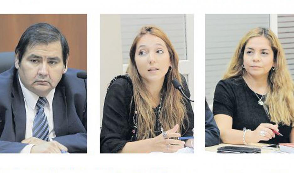 AUDIENCIA Juez Darío Alarcón, Virginia Abrate y Mariana Lascano.