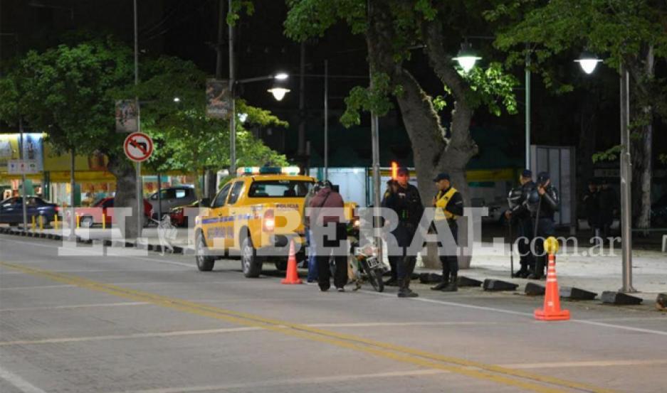 Los guardianes del orden se encontraban en pleno control vehicular cuando surgió la novedad con una joven vecina de la zona.