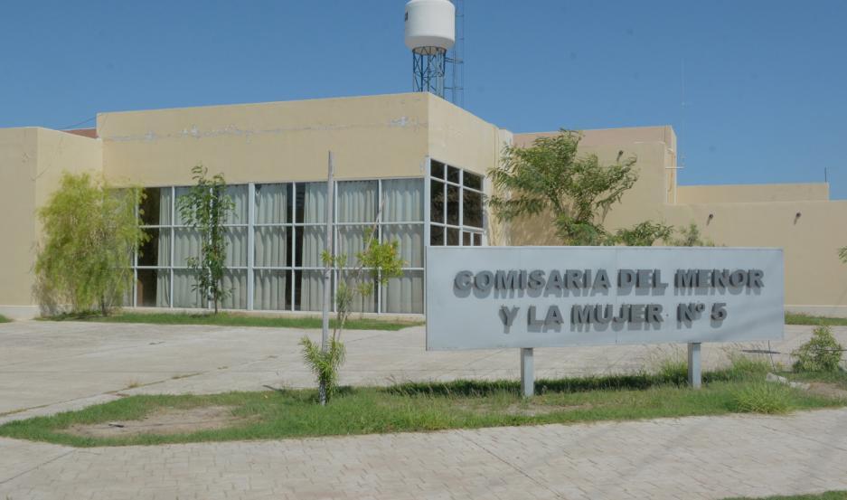 Agostina Villalba y su abogado Pablo Paz estuvieron en la Comisaría del Menor Nº 5, en el Bº Siglo XXI.