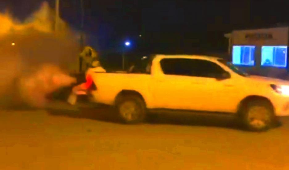 Todas las noches el municipio procede a la fumigación por las calles de Las Termas.