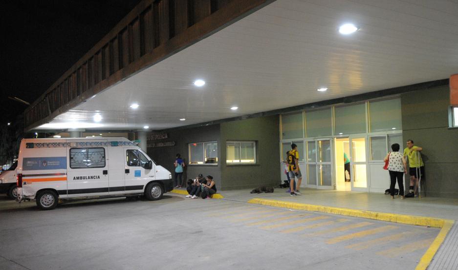 El herido quedó internado en el Hospital Regional, donde le realizaron puntos de sutura.