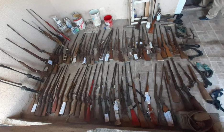 SECUESTROS. Más de 150 armas de fuego fueron incautadas del domicilio de los Rodríguez.