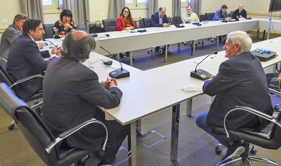 REUNIÓN. El ministro Nicolás Trotta mantuvo encuentros con empresarios y representantes del sector sindical.