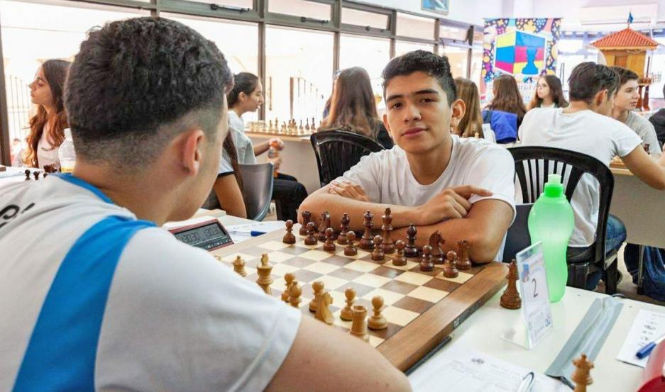 PRESENTE. Mauricio Suárez es uno de los jóvenes deportistas santiagueños que viene marcando un camino en el ajedrez y con grandes expectativas.