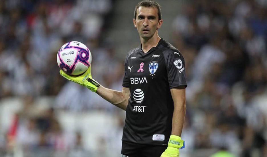 Barovero está a la espera de que vuelva al fútbol para poder jugar en el Burgos de España.