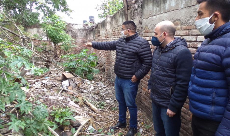 LIMPIEZA. Respuesta a denuncias sobre un terreno privado de Bolivia, entre French y Berutti del barrio Centro.