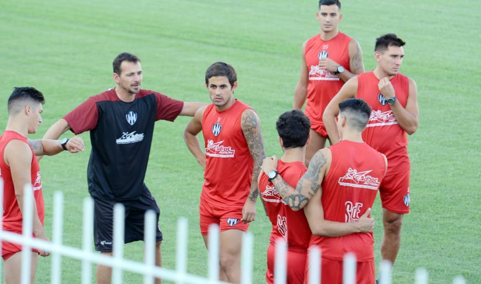 Marcelo Meli y Franco Cristaldo son dos de los catorce futbolistas a los que no se les renovará el vínculo en Central Córdoba.