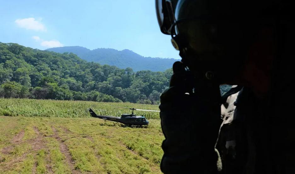Despliegue de tropas del Regimiento de Cazadores de Monte de Tartagal en la zona de Salvador Mazza, en la conflictiva frontera con Bolivia.