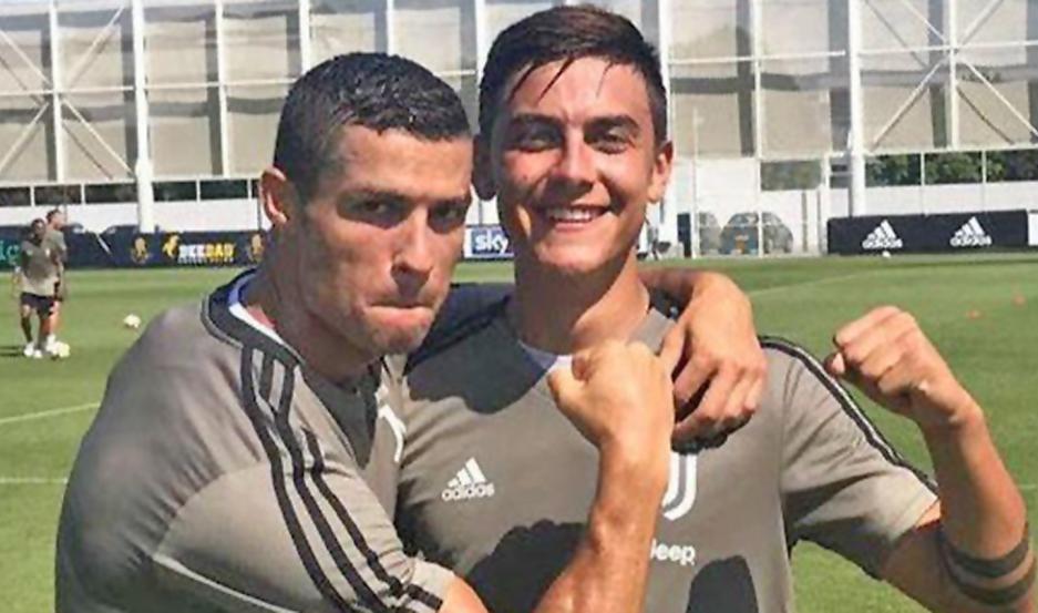 FIGURAS. Cristiano Ronaldo y Paulo Dybala conforman una sociedad ofensiva temible en Juventus.