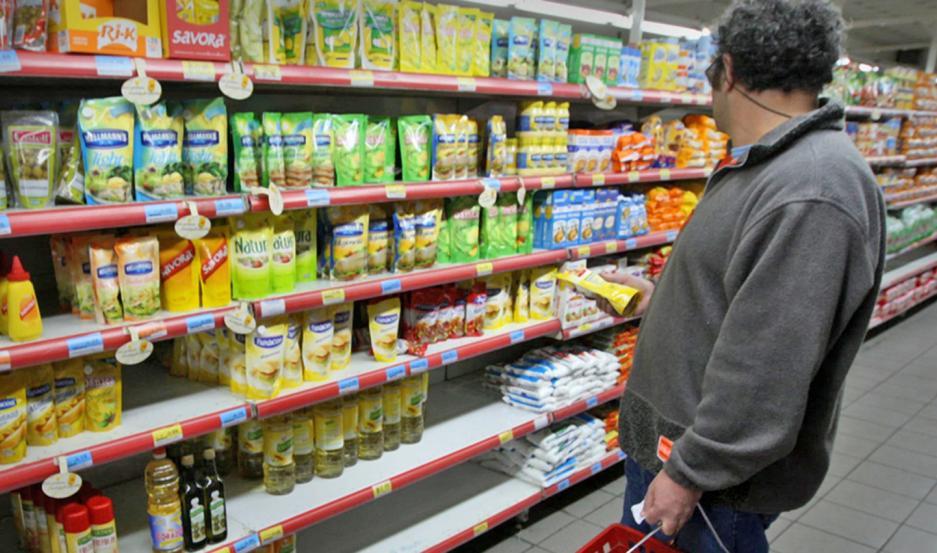Supermercados y avícolas alertan sobre la compleja situación.
