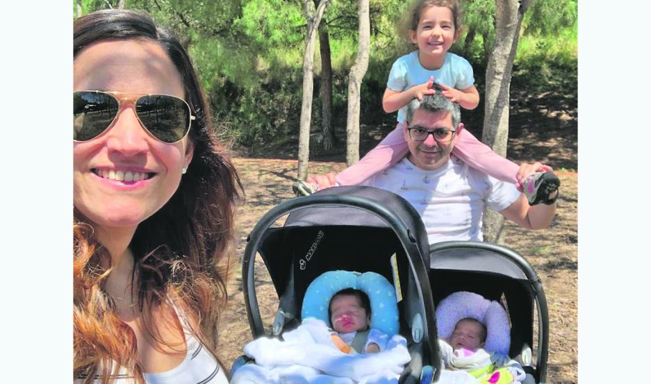 """MÁGICOS.  Los paseos en familia son los momentos que más se disfrutan desde que del confinamiento se pasó a una """"nueva normalidad""""."""