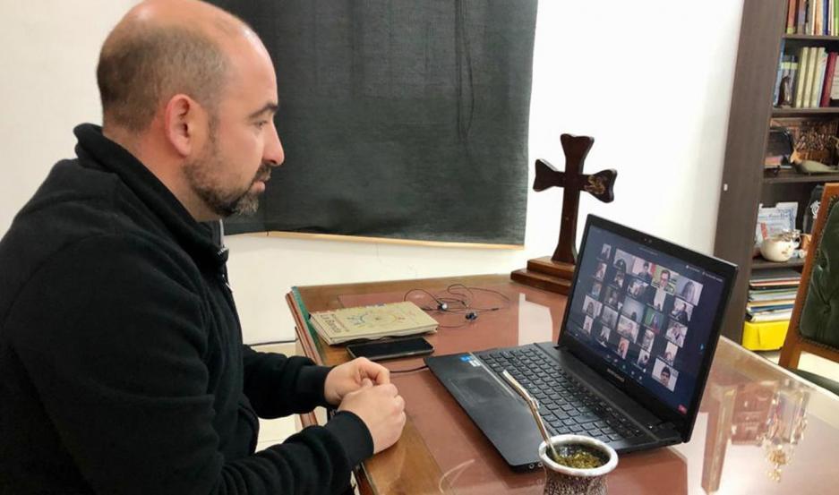 RESPALDO. La comuna bandeña, a través del intendente Pablo Mirolo, respalda la beca para el área de cultura.