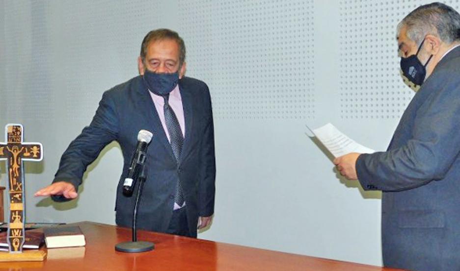 Ger juró como defensor del Pueblo con mandato 2020-2024 y reemplazó a José Rojas Insausti.