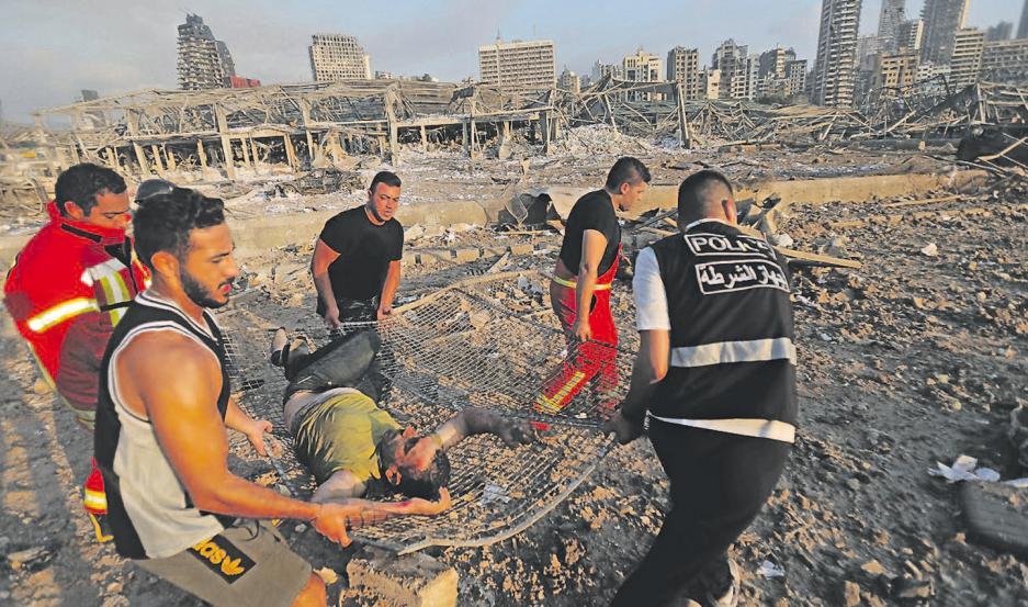 Las explosiones tomaron por sorpresa a miles de libaneses en Beirut. El número de muertos podría aumentar con el correr de las horas.