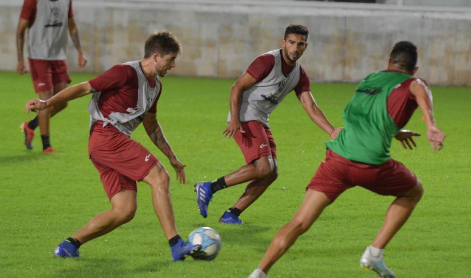 Si bien el lunes volverán los entrenamientos en Argentina, Central Córdoba deberá esperar varios días más para tener plantel completo.