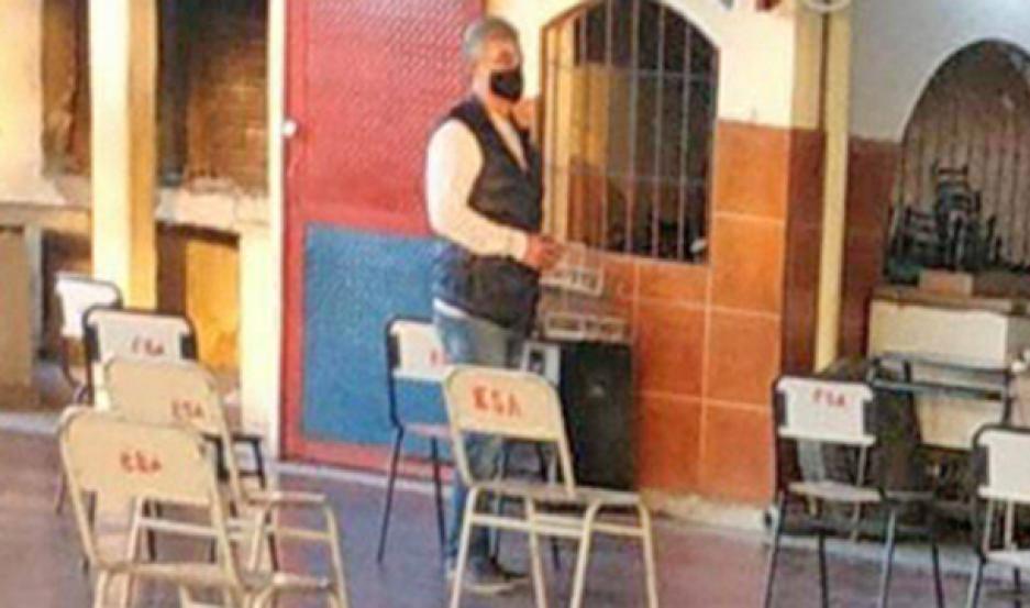 MEDIDA. Fue alojado en el Club San Carlos.