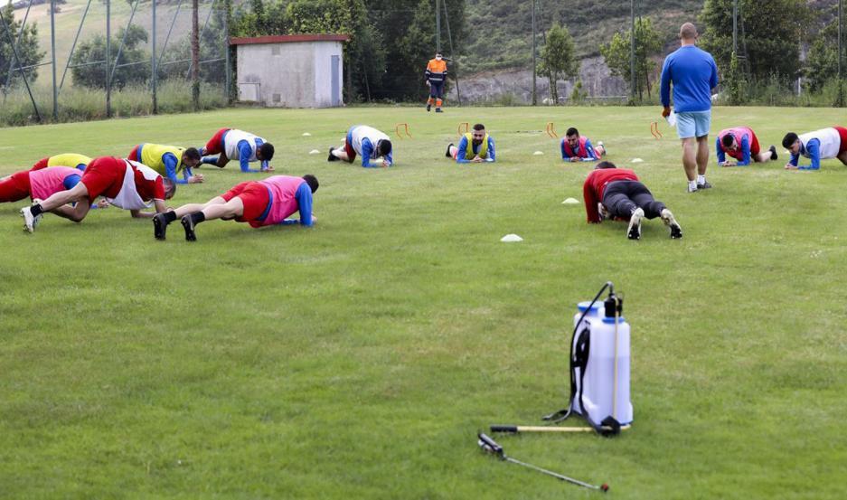 Los clubes obligarán a sus jugadores a cumplir con un protocolo que comienza desde sus hogares hasta los lugares de entrenamiento.