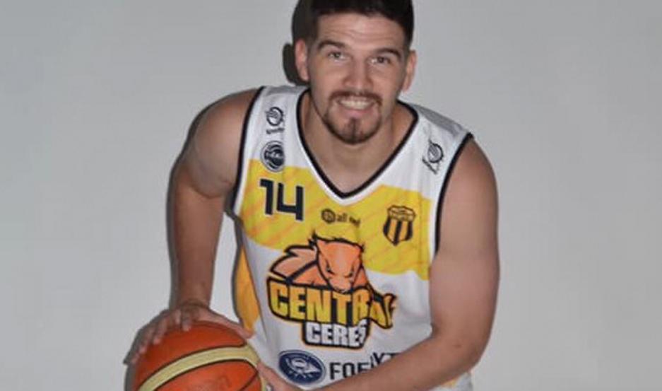 Martínez vistió la camiseta de Central Argentino Olímpico de Ceres en la Liga Argentina.