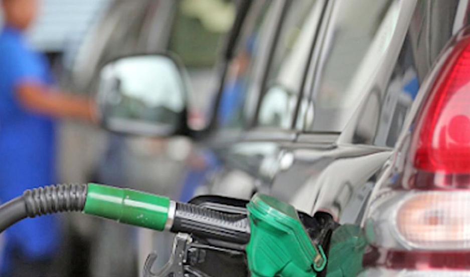 La nafta de YPF oscila entre $59,34 la Súper y $66,24 la Infinia. El diésel, en $55,14. Están así desde el 1/12/19.