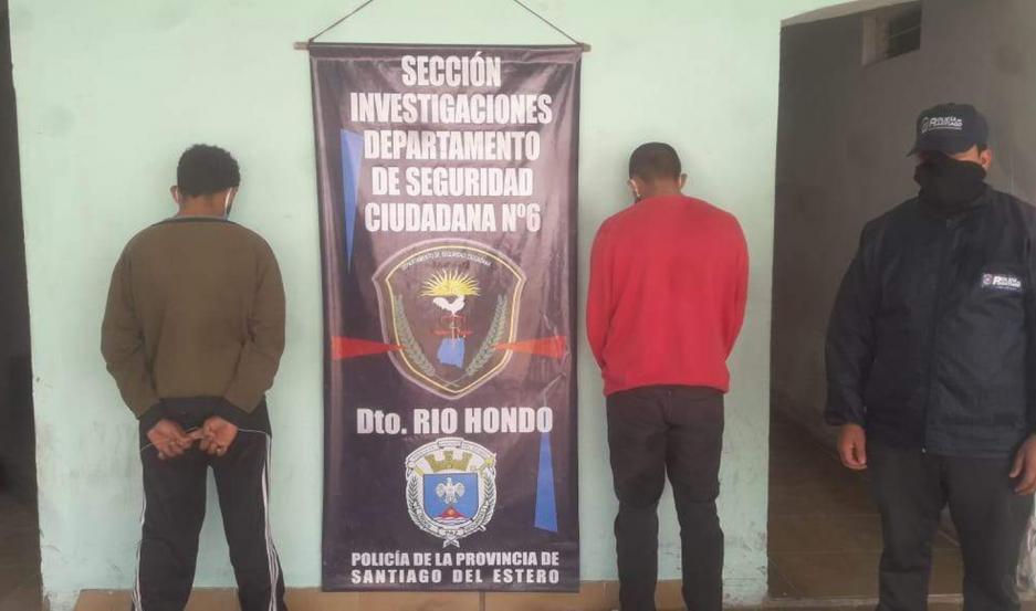 La Policía realizó una serie de allanamientos y pasado el mediodía capturó a los acusados.
