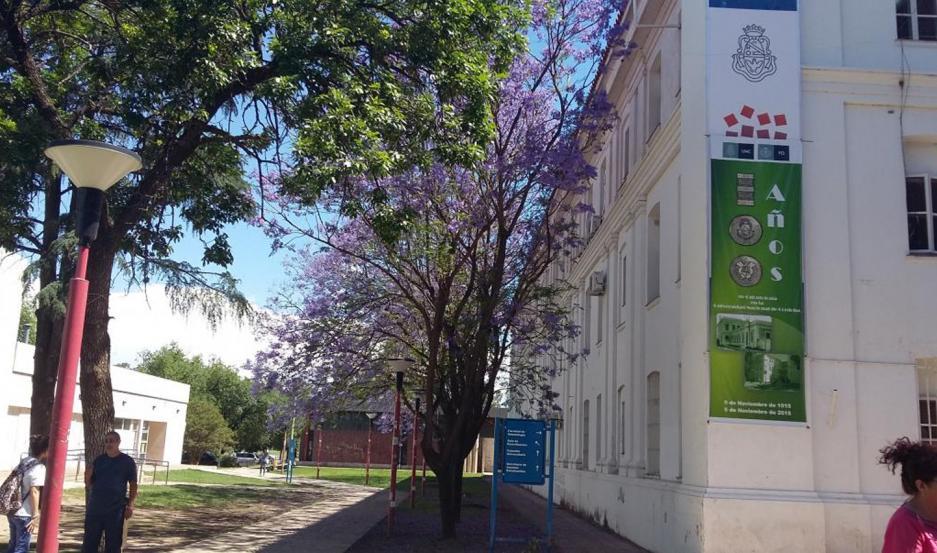 El fiscal investiga las denuncias contra un docente de la Facultad de Odontología de la UNC.