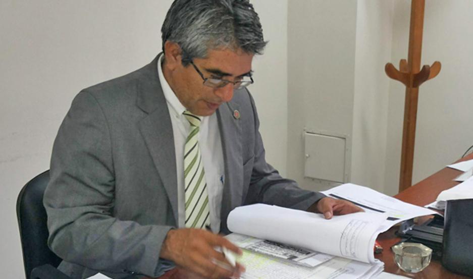 AUTORIDADES. El Dr. Hugo Herrera relató ante la jueza de Control y Garantías, Dra. Roxana Menini, cómo sucedieron los hechos.