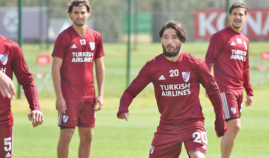 Casco volvió al trabajo, luego de superar un cuadro de coronavirus, y podría retornar al equipo en el partido ante San Pablo.
