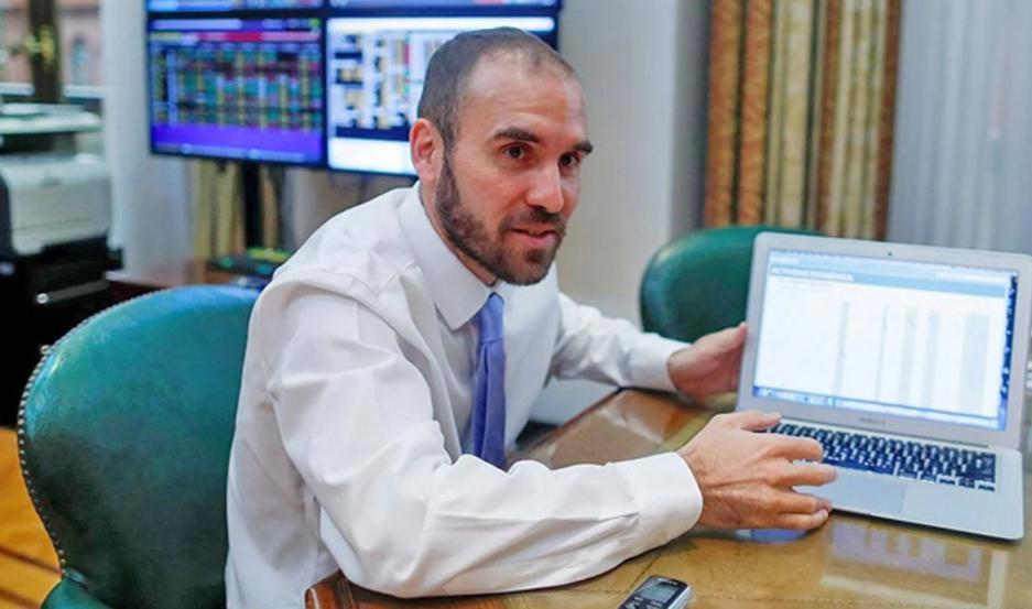 Guzmán ratificó que no habrá devaluación del tipo de cambio oficial. Se mostró preocupado por la brecha cambiaria.