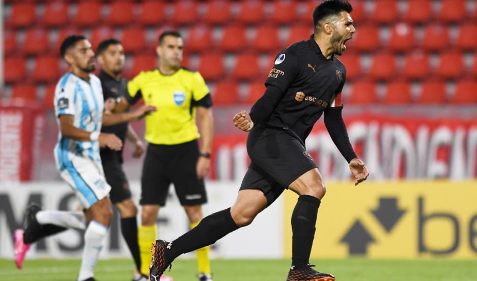Romero, goleador de la última Superliga, le dio anoche la victoria a Independiente ante Atlético Tucumán, por el duelo de ida.