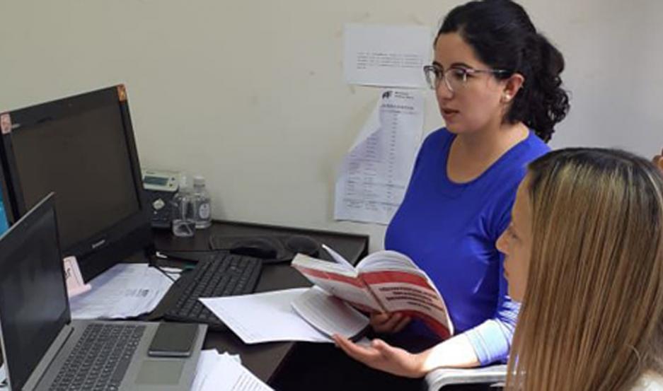 La Dra. Ana Azar a cargo de la causa, junto a la Dra. Alicia Falcione, relató ante la Dra. Roxana Menini los abusos que la niña sufría.