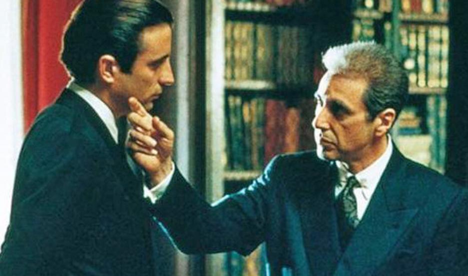 Andy García y Al Pacino en una memorable escena de la película.