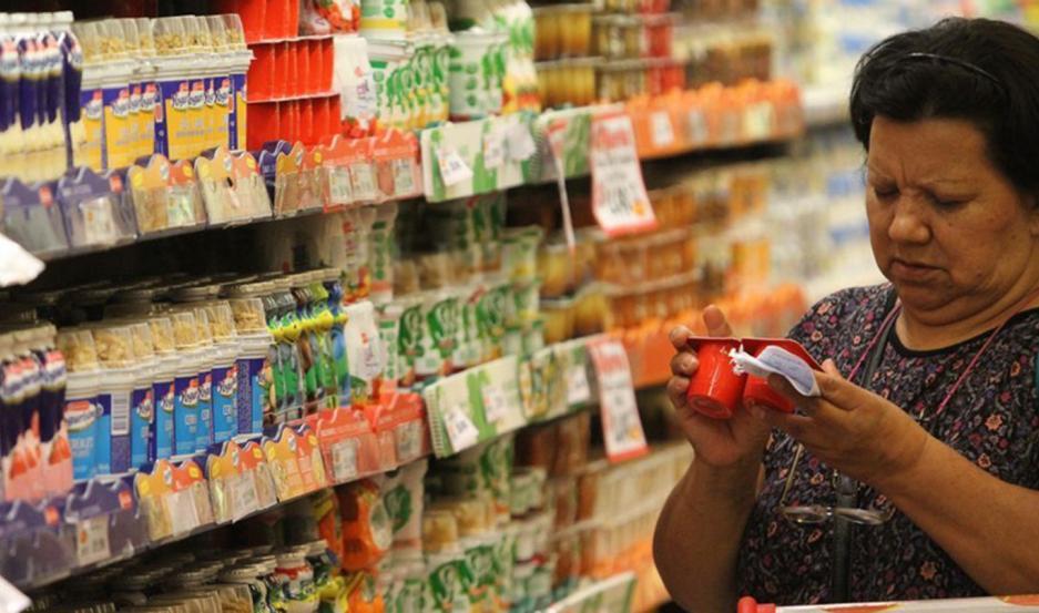 Economistas alertan por una inflación que rondará el 4% mensual en este primer trimestre.