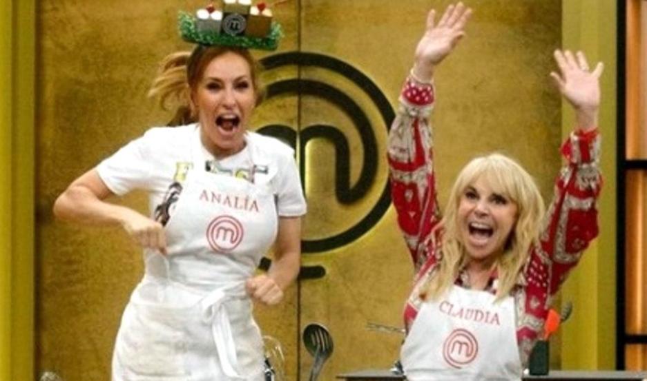 Analía Franchín y Claudia Villfañe, protagonizan el gran duelo de la cocina.