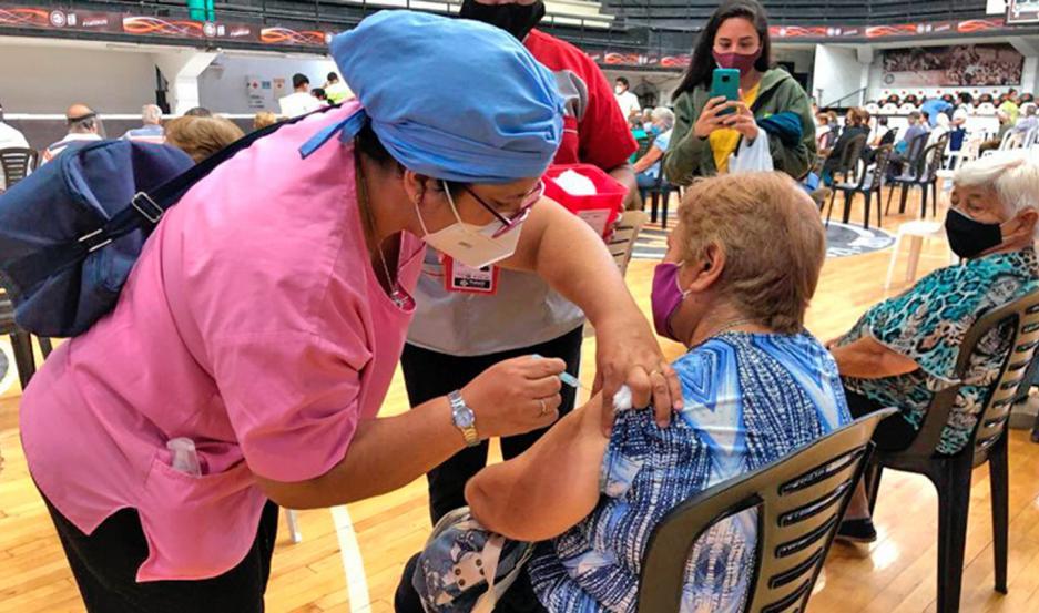 Todo está preparado para inmunizar a cientos de personas de entre 60 a 69 años de edad.
