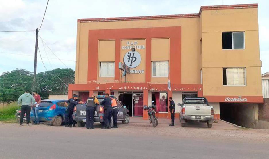 Los policías apresaron a empleados y propietarios del hotel.