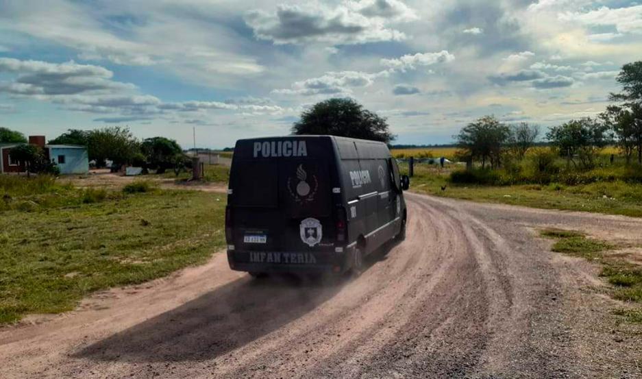 Más de 70 efectivos policiales fueron desplegados en los distintos procedimientos.