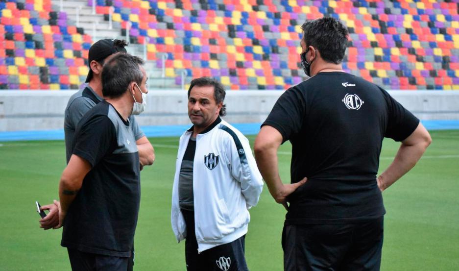 Coleoni aseguró que quiere jugar en el estadio Único, pero admitió que lo ideal sería entrenar ahí dos veces por semana.