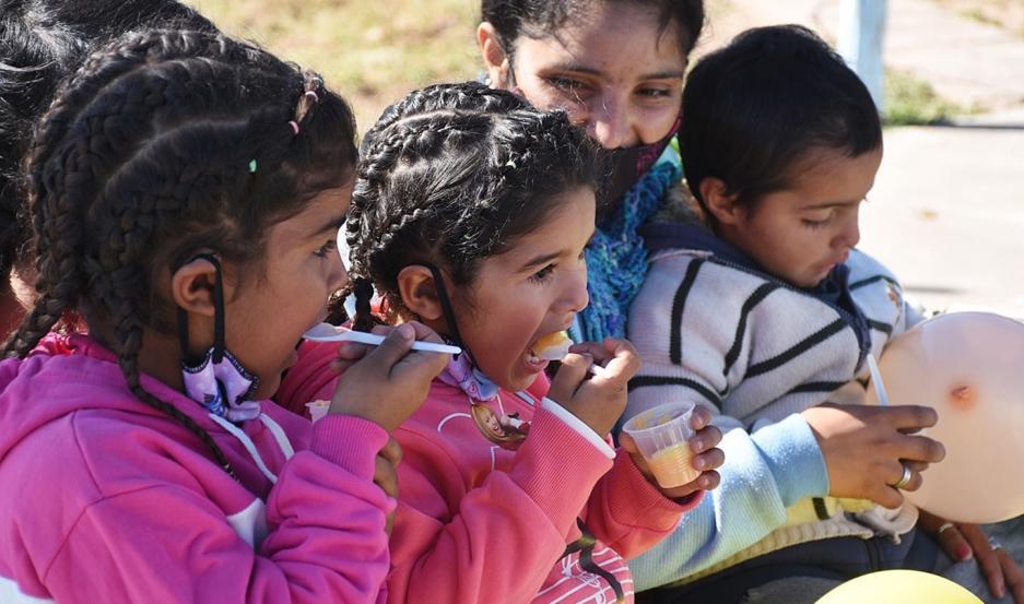 El equipo técnico de nutricionistas expuso sobre la preparación y consumo de alimentos de acuerdo con la edad de beneficiarios.
