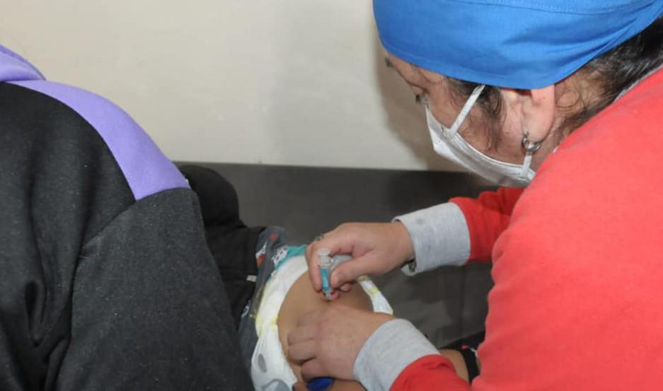 Se colocaron dosis del calendario nacional y para la prevención del virus del papiloma humano (HPV) para niños y niñas de 11 años de edad.