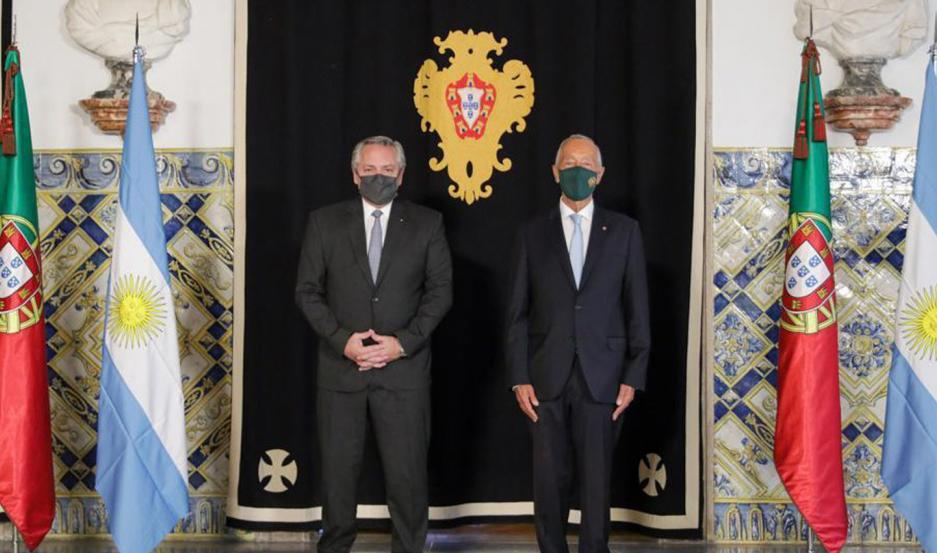 Fernández visitó a su par de Portugal, Marcelo Rebelo de Sousa.