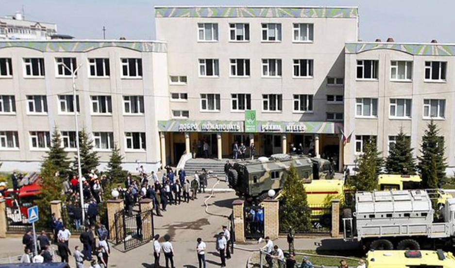 Al menos 11 muertos en un tiroteo en una escuela en Rusia
