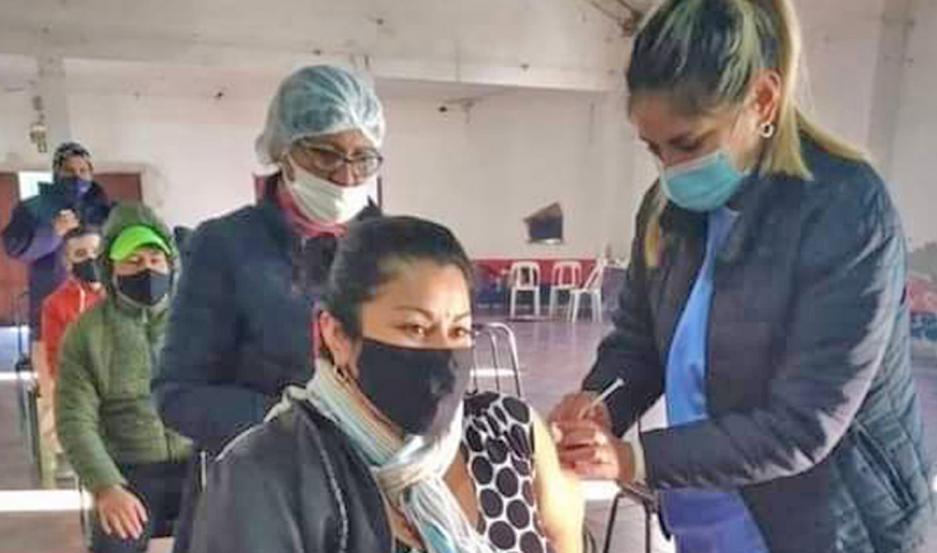Santiago del Estero recibirá entre hoy y mañana 32.480 dosis de la vacuna Moderna.