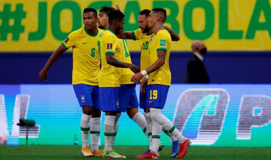 Brasil aplastó a un débil Uruguay