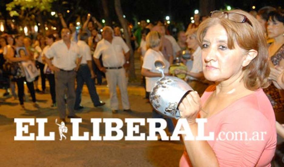 Como en otras partes del país, en Santiago del Estado también hubo protesta.