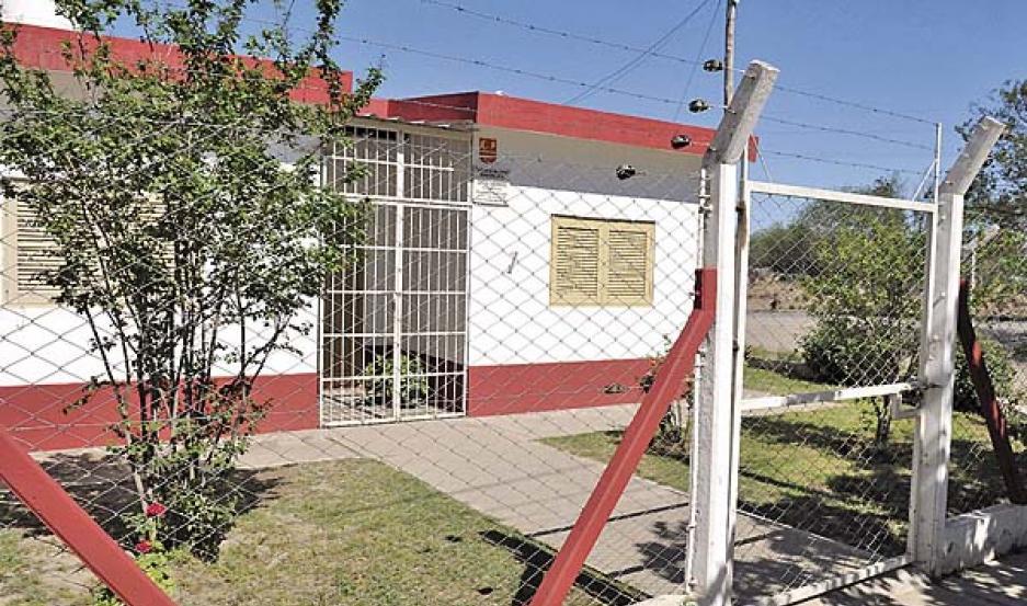 ESCENARIO. El ataque de la madre a la maestra sucedió en la vereda misma del jardín de infantes municipal.